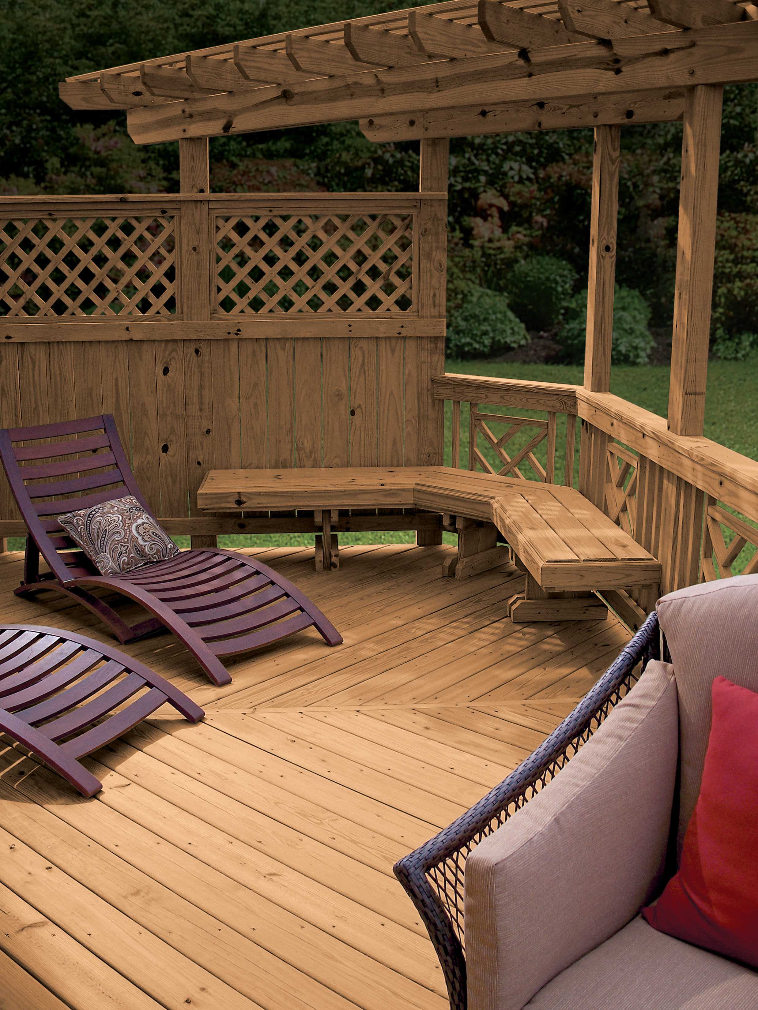 MicroPro® Sienna Deck with Bench